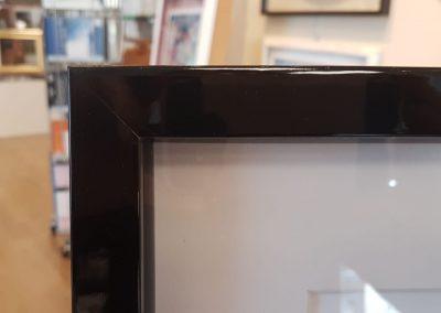 Cornice cassetta nera lucida (2)